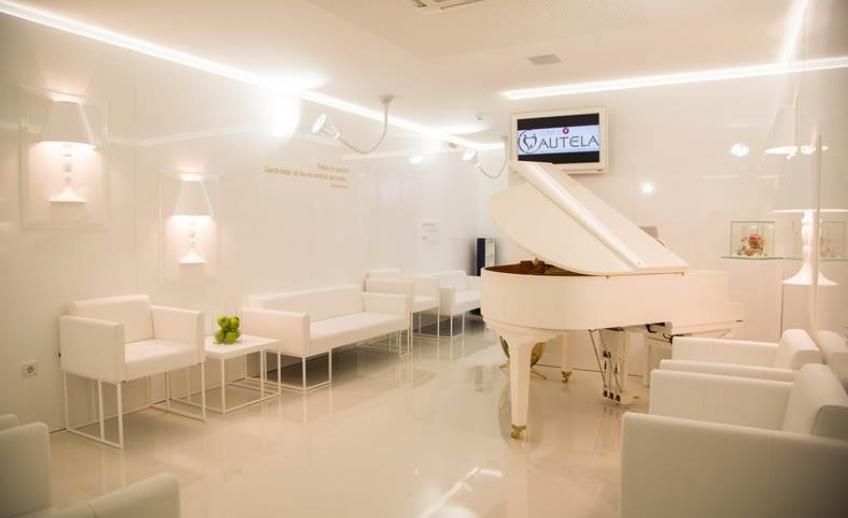 Piano com música ambiente